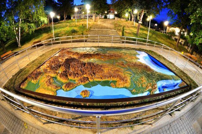 Новата стара релефна карта на България в Дряново