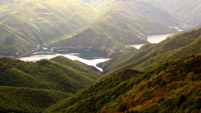 Бековите скали - да седнеш на ръба на Родопите