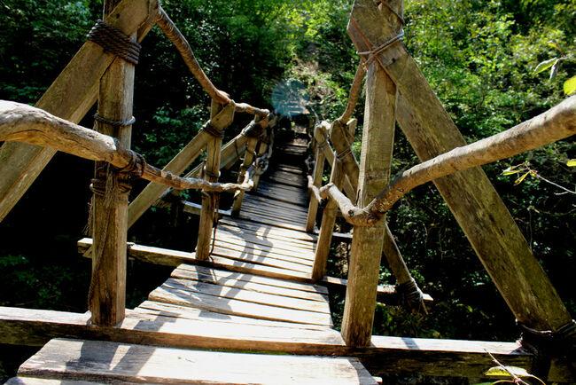 Ждрелото на река Ерма: Приключения по мостчетата