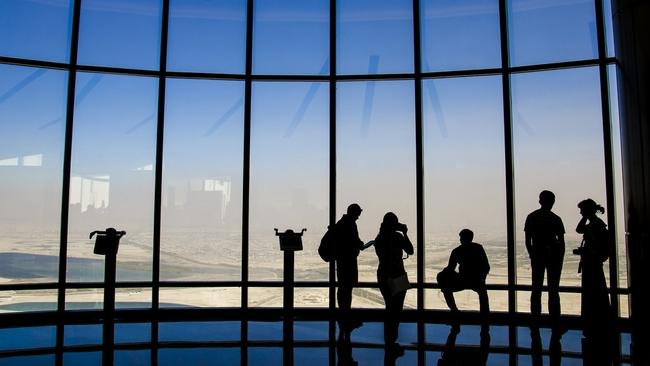Обзорна площадка на Бурж Халифа - виж Дубай от 555 м