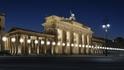 Берлин чества падането на Стената с хиляди светещи балони