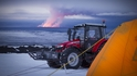 Жената, която ще стигне с трактор до Южния полюс