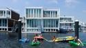 Плаващият квартал в Амстердам