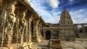 Храмът Веерабадра и висящата колона