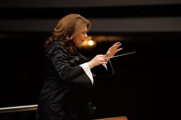 Оркестърът на Любка Биаджони и първата виола на Миланската Скала - Симониде Бракони