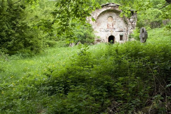 Маломаловски манастир Свети Николай – из дивия Северозапад