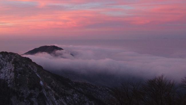 Връх Вейката в Родопите – най-южната точка на България