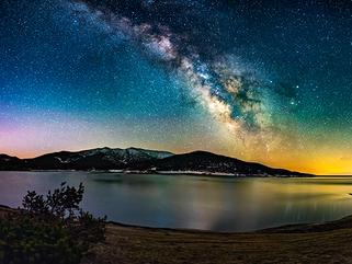 Красотата на нощна България в снимките на Ивайло Петров