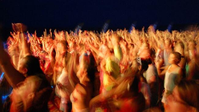 Планирай лятото: Каваци бийч фестивал