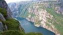 Великолепен фиорд в Норвегия от птичи поглед (видео)