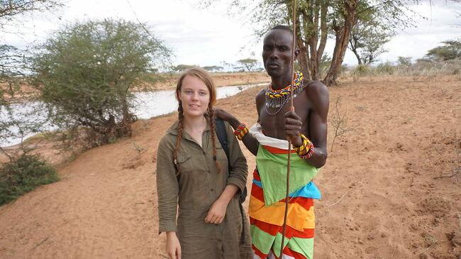 Момиче обикаля Африка на автостоп цяла година