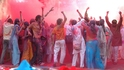 Светът празнува Фестивала на цветовете (Холи)