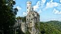 Приказен замък ще ви върне във времето на рицарите