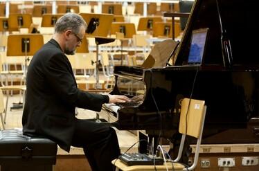 Клавирен концерт на Анжела Тошева и Михаил Големинов