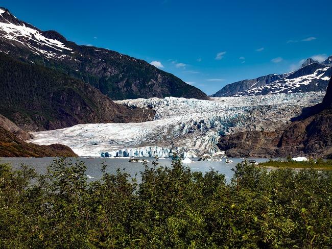 Леденото кралство или просто пещерите на Мендехол