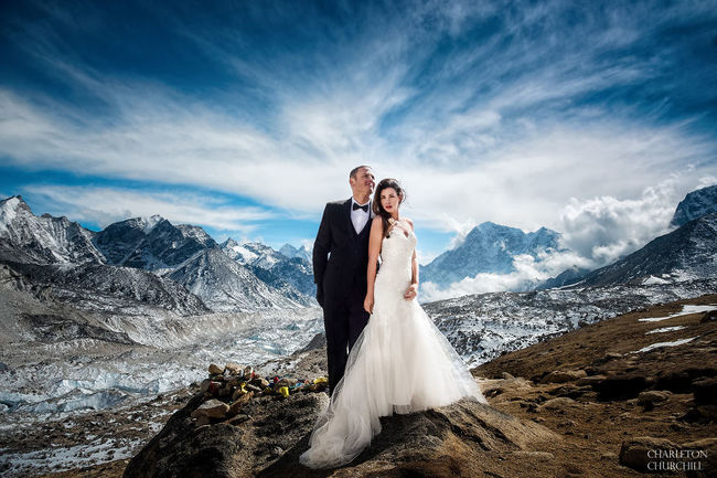 Двойка сключи брак на Еверест (галерия)