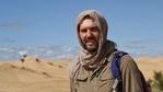 Филип Лхамсурен прекосява пустинята Гоби в Монголия