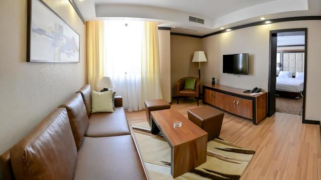 Хотел Картоон - Разград