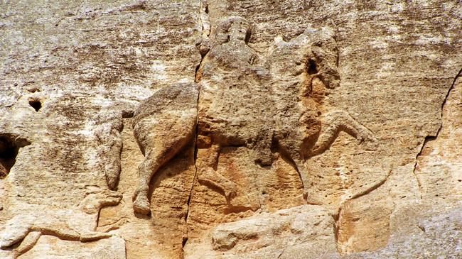 Мадарският конник и предположенията за произхода му