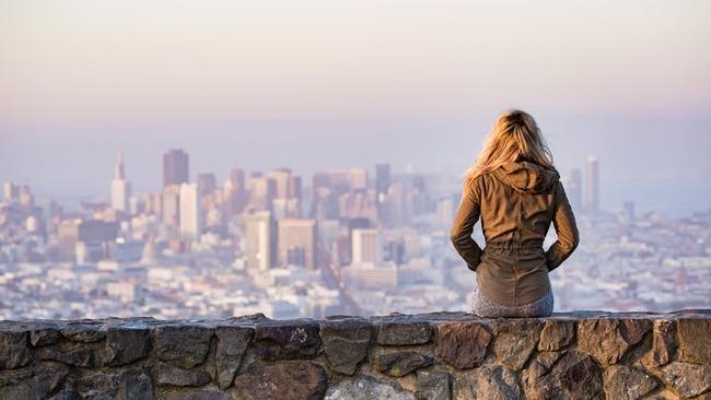 Истинска история: Да живееш в 6 града едновременно