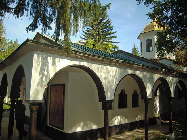 До Черепишкия манастир и назад