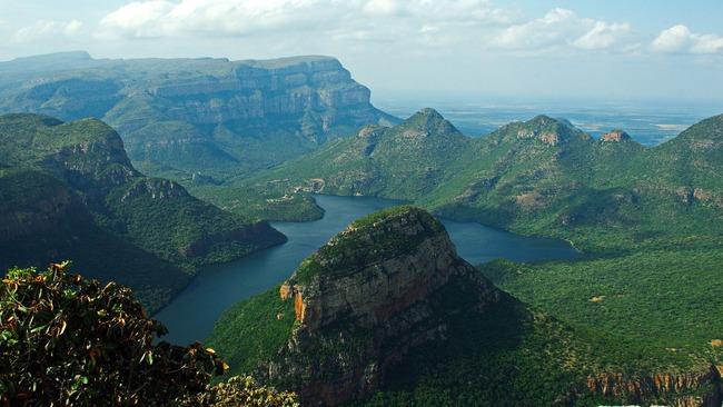 Пътувай от креслото: Красотата на Драконовите планини