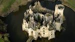 Как 6500 души си купиха средновековен френски замък (видео)