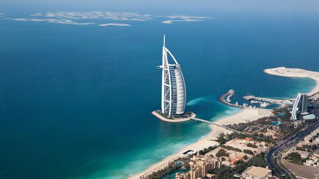 Първата плаваща кухня в света ще отвори врати в Дубай