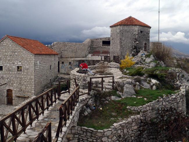 1000 км пеш из Балканите