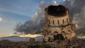 Градът на срутените черкви