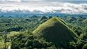Историята за причудливите Шоколадови хълмове