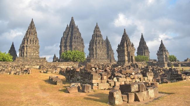 Легендарният индонезийски храм Прамбанан