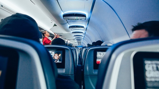 Съветите на стюардите за по-лек полет (част 1)