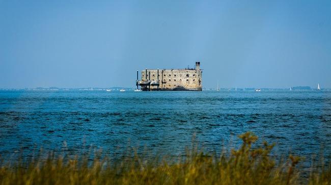 Историята на една от най-известните френски крепости Фор Бояр