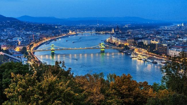 Мюсюлманският тур в Будапеща (видео)