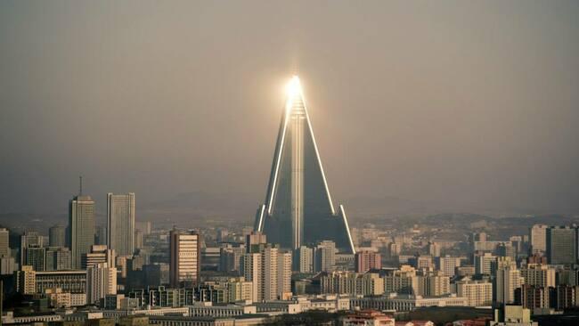 Вижте най-големия необитаем хотел в света