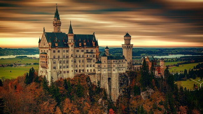 Пътувай от креслото: Разгледайте замъка, вдъхновен от Вагнер