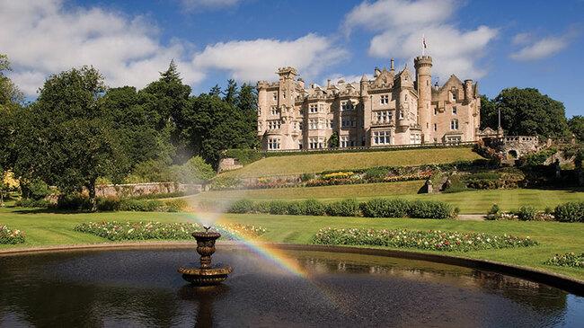 Шотландският замък, дар от феи и собственост на милионер