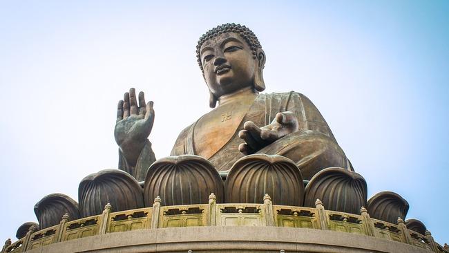 Къде можете да видите 34-метров седящ Буда?