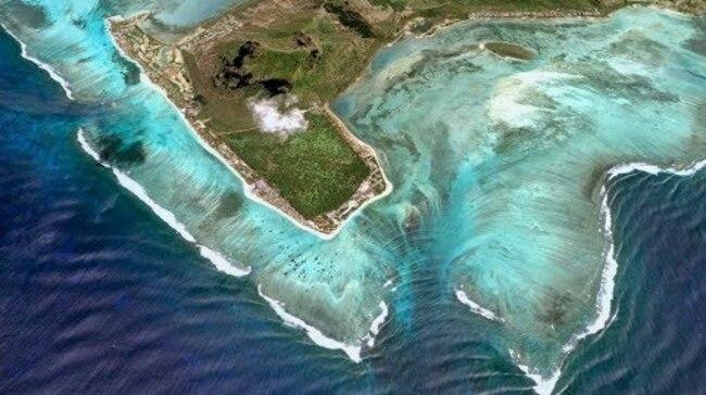 Пътувай от креслото: Илюзорният подводен водопад край остров Мавриций