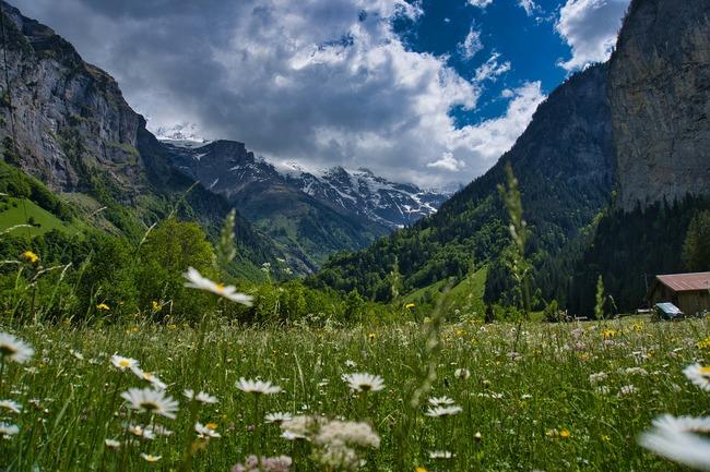 Лаутербрунската долина и вдъхновяващите водопади